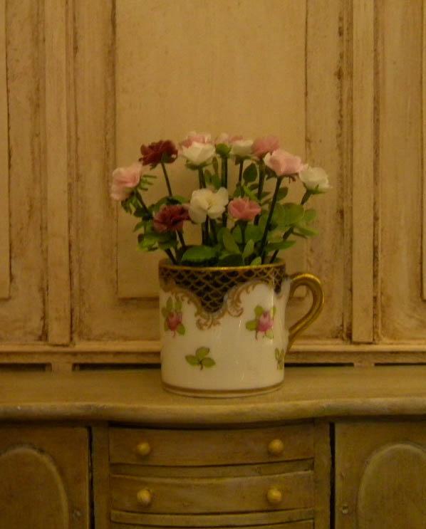Bouquet miniature roses vase anglais1