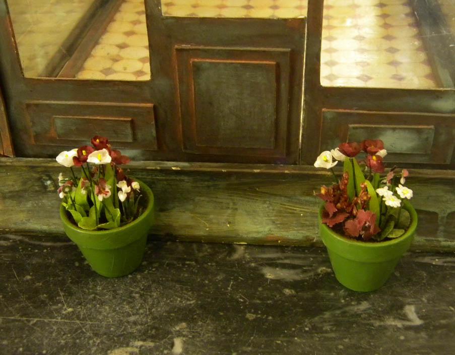 Isa-mini : Miniatures maisons de poupées, mobiliers, fleurs.