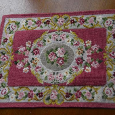 Tapis aubusson rose